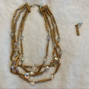 Jewelry - Vintage Gold Fashion Necklace